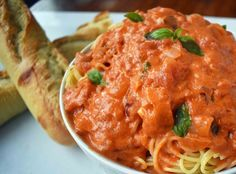 Lover's Pasta with Tomato Cream Sauce is made by sauteing onion and garlic in butter and adding tomatoes, broth, spices, cream, parmesan cheese and basil. Best Tomato Pasta Sauce, Tomato Cream Sauces, Homemade Tomato Sauce, Homemade Pasta, Rose Pasta, Wine Recipes, Cooking Recipes, Keto Recipes, Healthy Recipes