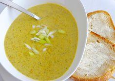 i eat vegan: Cheddary Broccoli Soup with crusty 24-hour bread #yummy