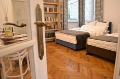 #showroom #luiss #welcome #brasov #romania #bedroom #oldhouse #luxury #brand #mattresses #timetosleepwell #articlesforchildren #terry #towelling #bed #linen #hygiene #sofabeds #accesories #followus Brasov Romania, Mattresses, Bed Linen, Sofa Bed, Showroom, Bedroom, Luxury, Furniture, Home Decor