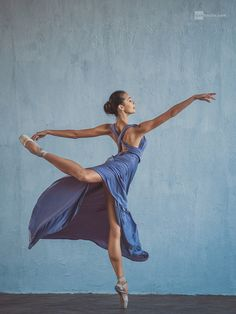 Inna by Dan Hecho on – Dance Ballerina Art, Ballet Art, Ballet Dancers, Ballerinas, Dance Photography Poses, Dance Poses, Ballet Pictures, Dance Pictures, Dance Paintings