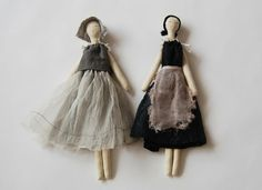 Love the simplicity of these cloth dolls! The muted colors are wonderful too.