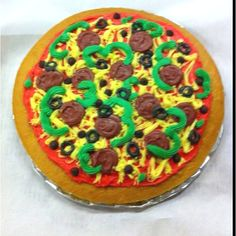 Pizza cake at work! Cupcake Cakes, Cupcakes, Pizza Cake, Food To Make, Pie, Treats, Snacks, Party, Desserts