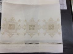 Asciugamani a punto antico