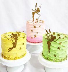 Trio de Mini Cakes para compor mesa com o tema Tinkerbell. Tinkerbell Birthday Cakes, Fairy Birthday Cake, Tinkerbell Party, Birthday Cake Girls, Glitter Birthday Cake, Cute Cakes, Pretty Cakes, Festa Thinker Bell, Bolo Original
