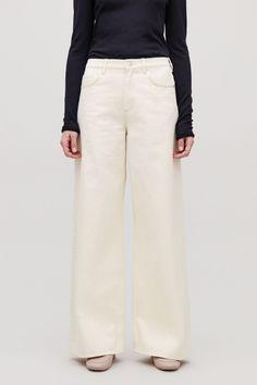WIDE LEG JEANS - Ecru - Trousers - COS Minimalist Fashion Women, Minimal Fashion, Minimal Style, Wardrobe Sale, Minimal Outfit, How To Make Clothes, White Shirts, Contemporary Fashion, White Denim