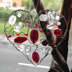 English Heart - a suncatcher in beads and wire by Sneddonia, via Flickr