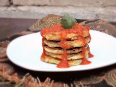 Silver Dollar Potato Patties w/ Tomato-Chipotle Salsa #SundaySupper - La Cocina de Leslie Thanksgiving Leftover Recipes, Thanksgiving Side Dishes, Thanksgiving Leftovers, Potato Sides, Potato Side Dishes, Chipotle, Turkey And Dumplings, Mexican Food Recipes, Vegetarian Recipes