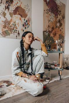 Environmental Portraits, Artist Aesthetic, Arte Sketchbook, Art Hoe, Poses, Art Studios, Artist At Work, Art Photography, Illustration Art
