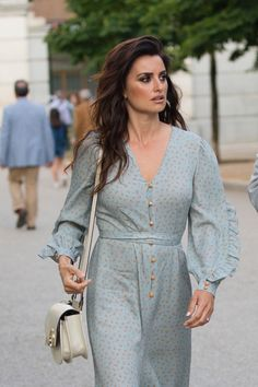 Penelope Cruz Raise Funds For Open Arms Penelope Cruz, Hottest Female Celebrities, Open Arms, Celebrity Photos, Spring Outfits, Casual Dresses, Beautiful Women, Street Style, Shirt Dress