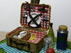 Picnic Hamper, Hinazo Miniature & Dollhouse