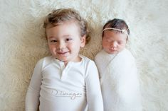 Sibling pose newborn photography www.dimages.com.au