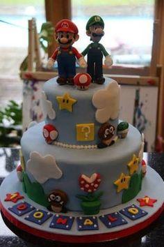 Super Mario bros cakes oh delicious did peach make that? Mario Birthday Cake, Super Mario Birthday, Super Mario Party, Super Mario Bros, Mario Bros Cake, Mario Kart Cake, Bolo Do Mario, Bolo Super Mario, Mario Y Luigi