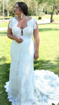 Boho plus size mermaid lace wedding gown with unique sleeves and long train. Esme. Studio Levana #MermaidWeddingDresses