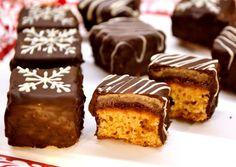 (7) Mézes dominó kocka   Nor receptje - Cookpad receptek Hungarian Desserts, Hungarian Recipes, Cake Bars, Food Cakes, Winter Food, Confectionery, Creative Food, Cake Recipes, Sweet Treats
