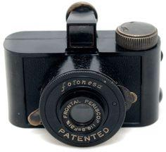 Fotonesa Pozzoli GPM Italian sub-miniature spy camera Retro Camera, Spy Camera, Camera Lens, Old Cameras, Vintage Cameras, Nikon, Classic Camera, Rangefinder Camera, Small Camera