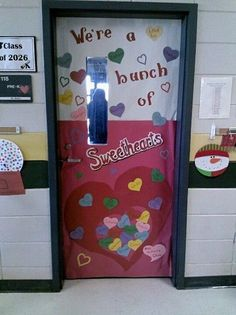 classroom door decoration- great idea for February/ Valentine's Day classroom door decoration