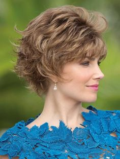 Find the Mason Wig by Rene of Paris Noriko Wigs. Mixed layers with beveled ends with a sophisticated kick. Short Hair Wigs, Wigs With Bangs, Human Hair Wigs, Short Hair Styles, Great Hairstyles, Wig Hairstyles, Haircuts, Copper Brown Hair, Rene Of Paris Wigs