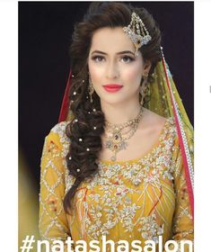 fine at Hairstyles For Girls Mehndi from gallery Latest Hairstyles For Girls Mehndi In Creative Hairstyles Ideas Pakistani Wedding Hairstyles, Pakistani Hair, Mehndi Hairstyles, Pakistani Bridal Makeup, Wedding Hairstyles For Long Hair, Indian Hairstyles, Bride Hairstyles, Trendy Hairstyles, Creative Hairstyles