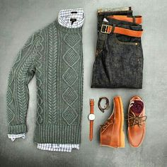 Casual look with cable knit sweater and jeans Komplette Outfits, Casual Outfits, Men Casual, Mode Man, Mode Costume, Style Masculin, Herren Style, La Mode Masculine, Outfit Grid
