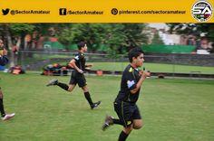 Los árbitros pusieron a prueba su condición física.