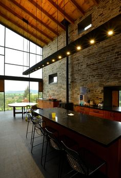 Image 19 of 29 from gallery of House in Atemajac / Villar Watty Arquitectos. Photograph by Francisco Gutiérrez Modern Residential Architecture, Interior Architecture, Steel Building Homes, Building A House, Style At Home, Art Nouveau, Weekend House, Amazing Buildings, Architect House