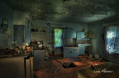 Abandoned House (HDR) by ~LuisAlbano