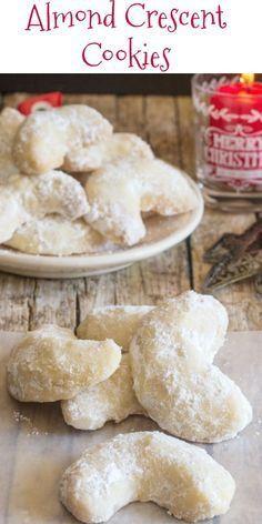 Crescent Cookie Recipe, Crescent Cookies, Biscuit Cookies, Delicious Cookies, Almond Crescent Recipe, Italian Almond Cookies, Italian Cookie Recipes, Italian Wedding Cookies, Italian Ricotta Cookies