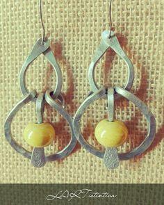 Grandi orecchini in alluminio e ceramica gialla