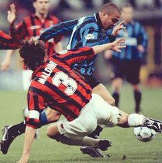 Maldini vs Ronaldo! Wowww!