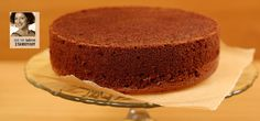 Απλό ή σοκολατένιο, αυτό το αφράτο παντεσπάνι θα γίνει η τέλεια βάση για τις πιο νόστιμες τούρτες!