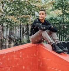 Rami Malek :) Love him in Mr. Robot!!