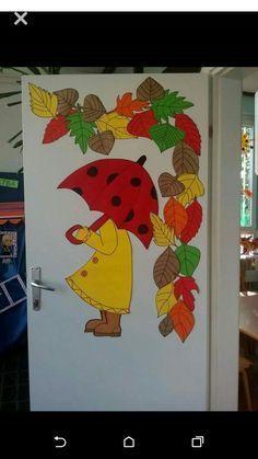 Osztálytetemdekorácio  #osztalytetemdekoracio Easy Fall Crafts, Fall Crafts For Kids, Art For Kids, Diy And Crafts, Fall Classroom Decorations, School Decorations, Autumn Art, Autumn Theme, Autumn Decorating