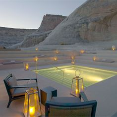 It seems as if Amangiri was molded from the earth itself, as if it were one with the dramatic landscape. (via yatzer)