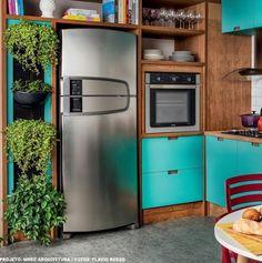 Cor linda pra uma cozinha aconchegante Kitchen Oven, Diy Kitchen, Kitchen Decor, Modern Kitchen Cabinets, Kitchen Appliances, Lofts, Home Office Closet, Happy Kitchen, Home Decor Furniture