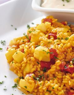 Arroz con sepia Spanish Kitchen, Spanish Food, Spanish Recipes, Couscous, Paella, Chefs, Quinoa, Fried Rice, Tapas