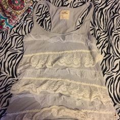 Hollister size large fit more like medium Never worn Hollister Tops Tank Tops