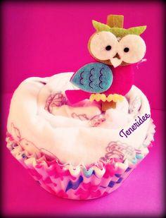 muffin fatto con body e decorazione gufetto