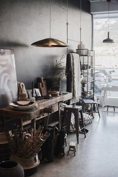 Things That You Need To Know When It Comes To Industrial Decorating You can use home interior design in your home. Even with the smallest amount of experience, you can beautify your home. Workspace Inspiration, Interior Inspiration, Home Interior Design, Interior Decorating, Mid Century Modern Desk, Workspace Design, Dark Interiors, Decoration, Living Spaces