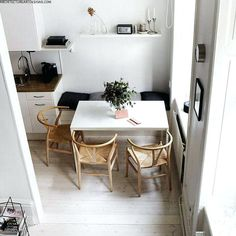 Dining Room Furniture and Decoration Stunning 80 Lasting Farmhouse Dining Room Table Ideas source : Small Dining Area, Small Kitchen Tables, Kitchen Nook, Diy Kitchen, Kitchen Dining, Ikea Small Dining Table, Small Dining Table Apartment, Dining Bench With Storage, Corner Dining Table