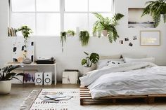 How to Create Your Own Bedroom Sanctuary | Hunting for George Community Journal