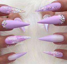 30 The Sex Appeal Stiletto Nails Art Designs For You - Nail Art Connect stiletto nails Stiletto Nails Glitter, Bling Nails, My Nails, Simple Stiletto Nails, Pointed Nails, Coffin Nails, Best Acrylic Nails, Acrylic Nail Designs, Nail Art Designs