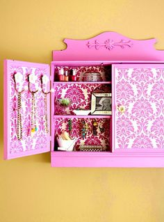 DIY: wallpapered and decoupage