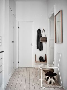 Garderobe & Flur Hee chair by HAY. Without a seat, there is no hallway: first storage for bag, seat Hallway Inspiration, Interior Inspiration, Decoration Hall, Minimal Home, Hallway Decorating, Scandinavian Style, Hygge, Home And Living, Living Room