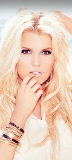 Jessica Simpson- hair and makeup