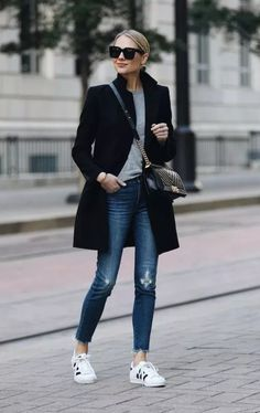 Biz Cas Whole outfit Zara Black Wool Coat Grey Sweater Madewell Denim Jeans adidas superstar sneakers Fashion Mode, Look Fashion, Winter Fashion, Womens Fashion, Fashion Black, Feminine Fashion, Fashion Blogger Style, Fashion Tips For Women, Petite Fashion