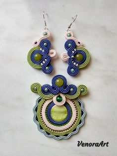 Beautiful and original soutache set. Consist with earrings and pendant. Perfect to all outfits and every occasion. Back plate finished felt and impregnated. Soutache Pendant, Soutache Necklace, Tassel Earrings, Drop Earrings, Boho Jewelry, Beaded Jewelry, Jewelery, Handmade Felt, Button Crafts