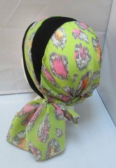 Turban préformé - Foulard cheveux - chapeau - bandeau chimio vert anis  motifs gris, rose enlacé d un 7eace4fd90b