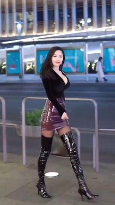 Pretty Korean Girls, Model Outfits, Korean Girl Fashion, Dressy Dresses, Sexy Skirt, Beautiful Asian Women, Asian Woman, Asian Beauty, Sexy Women