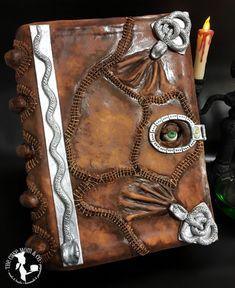 Hocus Pocus Spell-book Cake #hocuspocus #cake #party #halloween
