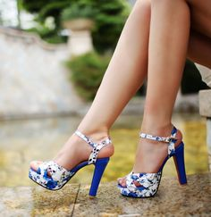 Novos 2014 chinês estilo vintage ultra- plataforma de salto alto tiras cruzadas dedos abertos sandálias sapatos femininos